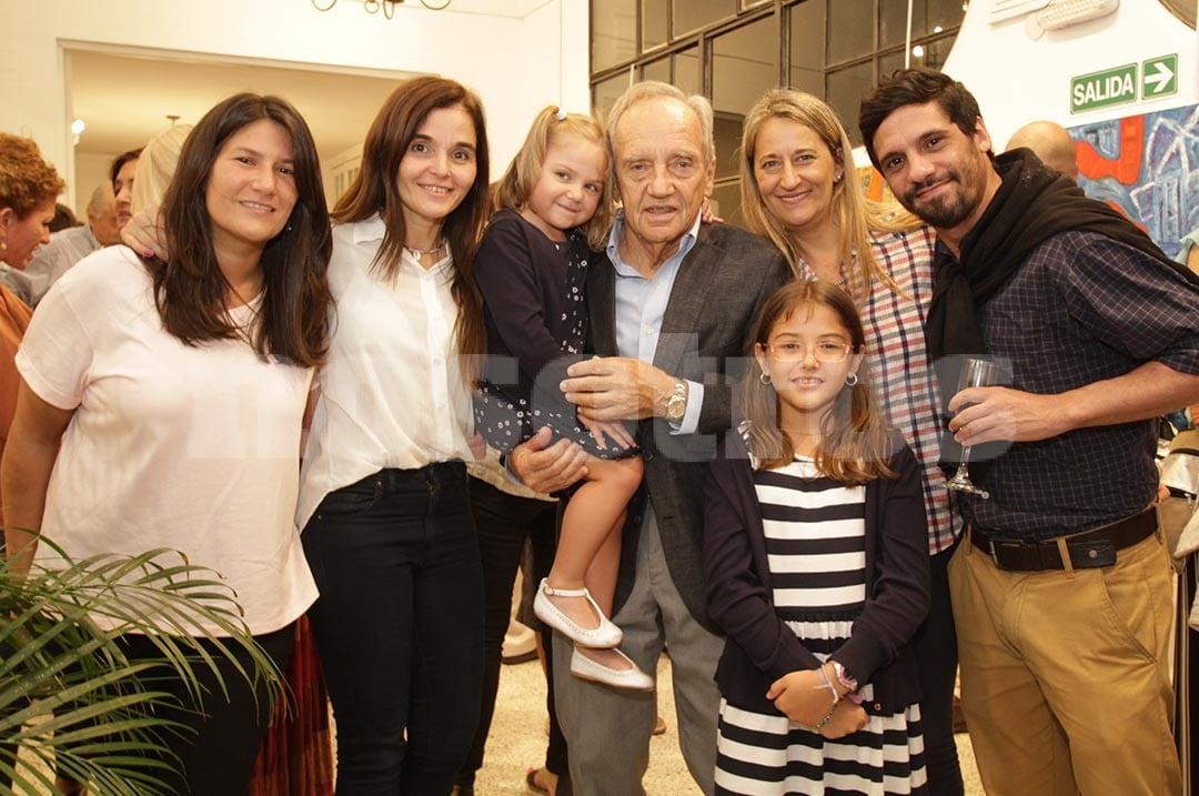 Milagros Aranda, Verónica Manzur, Francisca Bottai, Alberto Bottai, Verónica Llanes, Rosario Bottai y Mariano Gimenez.