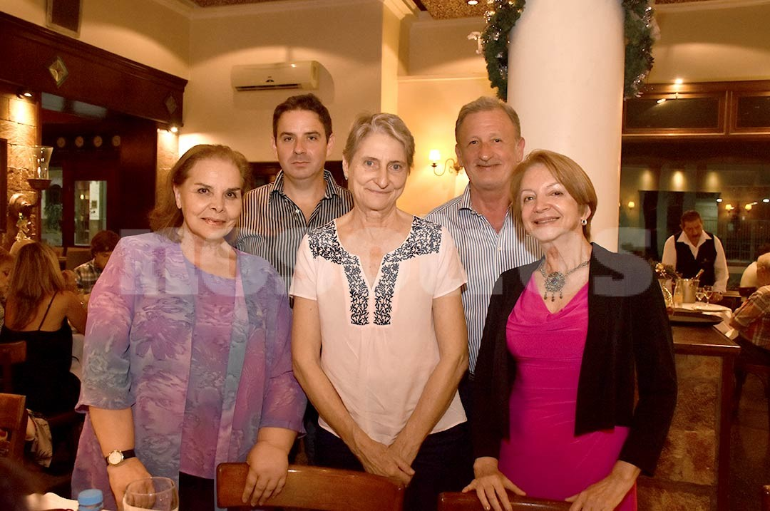 Mabel Díaz, Ruth Schneider, Graciela Hornia, Luciano Andino y Jorge Terpin